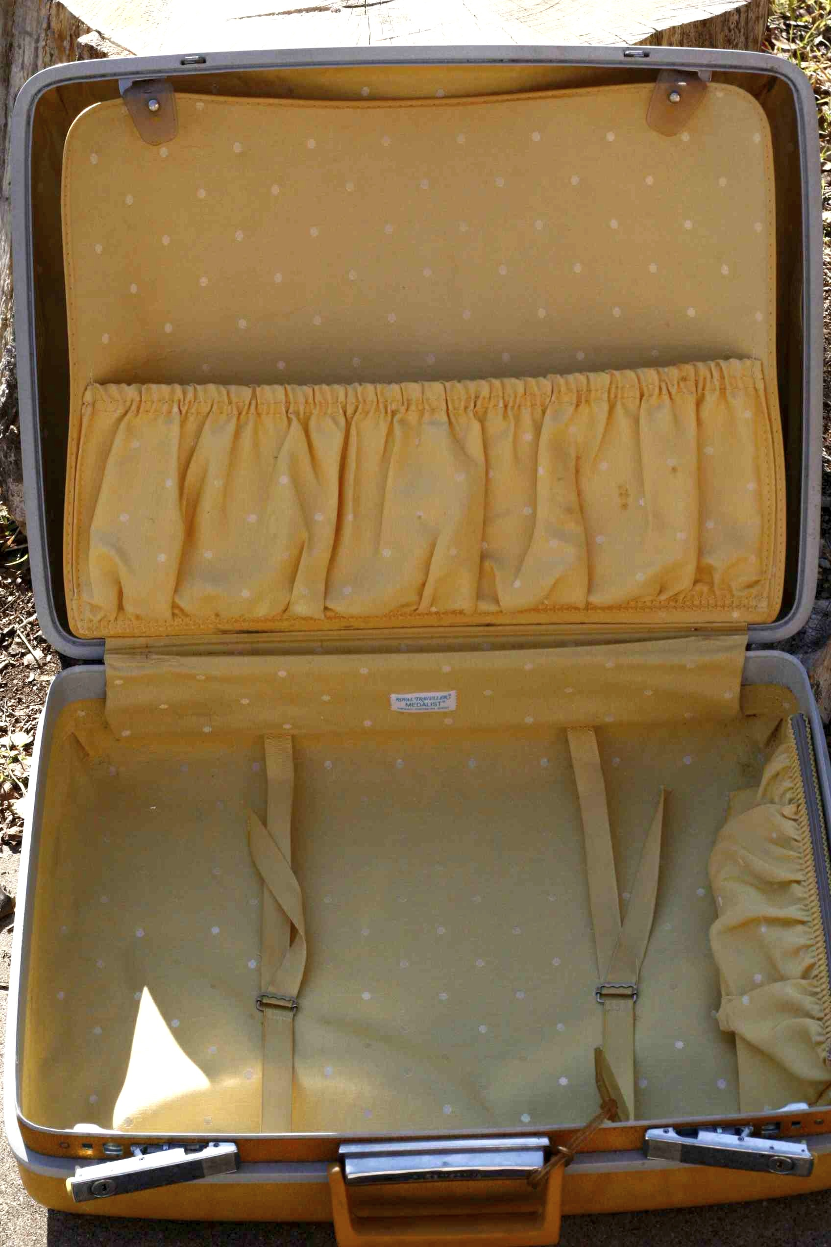 Vintage Samsonite Suitcase // Jet Set Cool! | Fort Worth Vintage